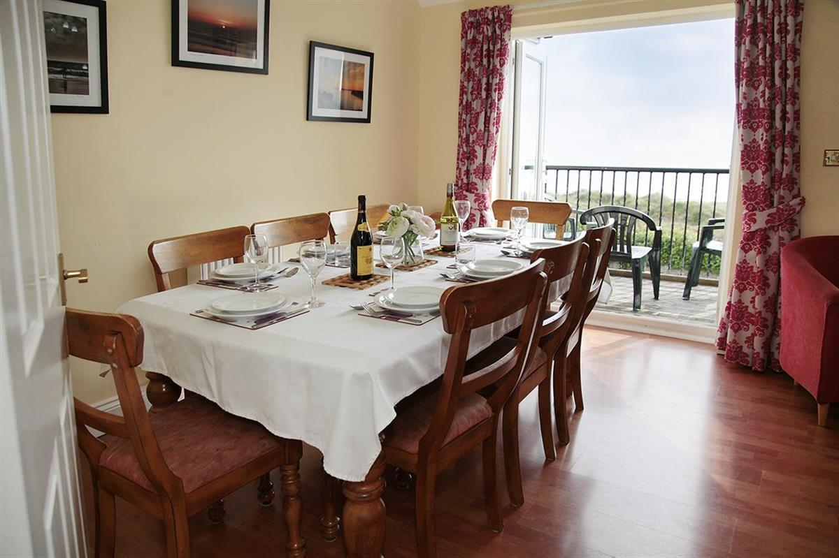 FENNEL COTTAGE with sea view (sleeps 8 adults)