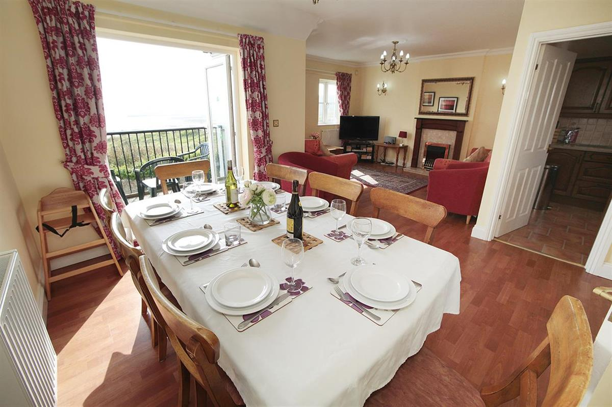 BARLEY COTTAGE with sea view (sleeps 8 adults)